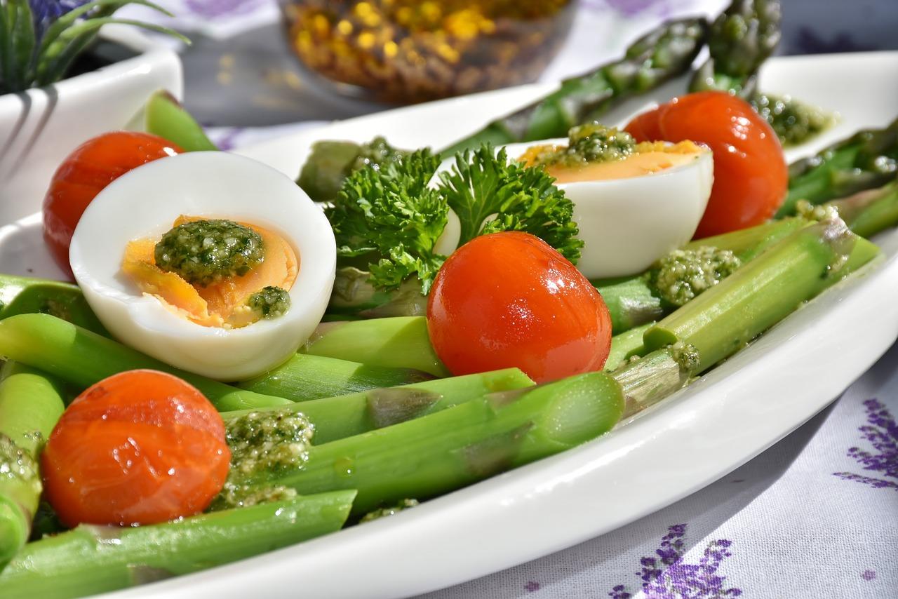 Dieta ketogeniczna jest wymagająca? Nie mniej niż inne!