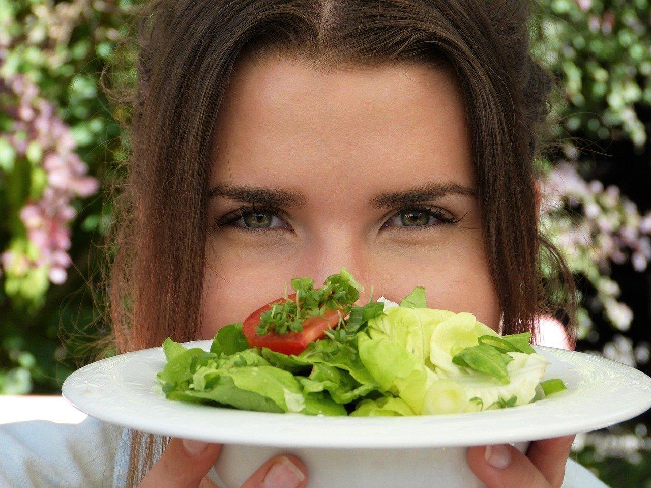 Bezpieczna dieta oczyszczająca organizm – o czym należy pamiętać?