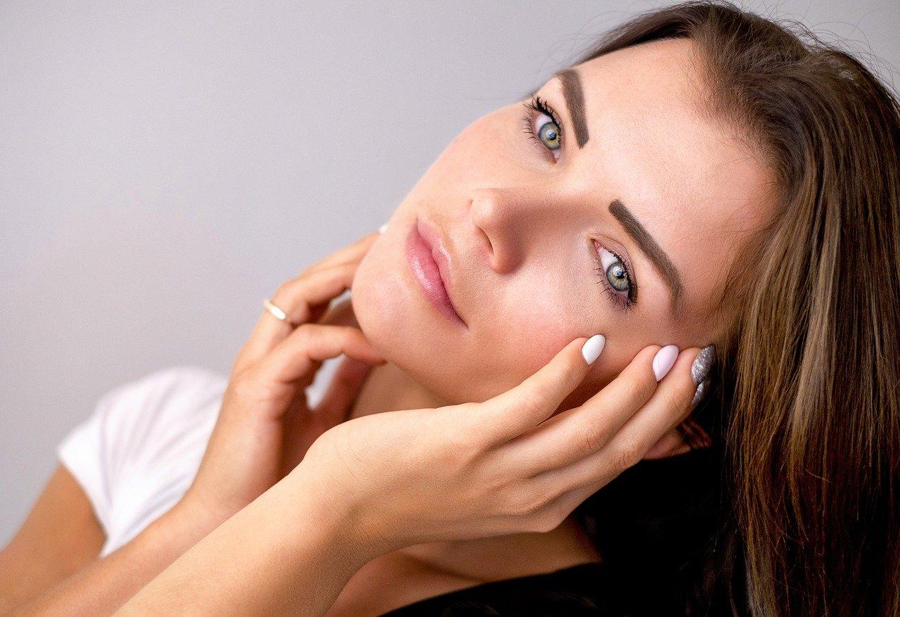 Baza pod makijaż – czy warto ją stosować?